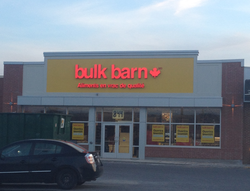 La pollution visuelle « Bulk Barn » se répand au Québec!